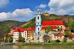 20141006190217493200_shutterstock_169001624_Durnstein near Vienna, lower Austria, pictoial Wachau valley