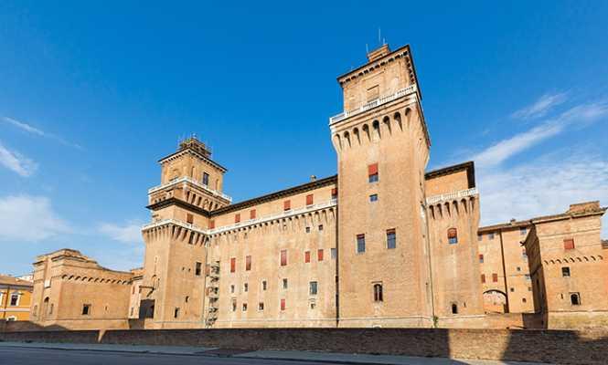 20141015171737245200_shutterstock_161769491_old Estense Castle in Ferrara in Italy