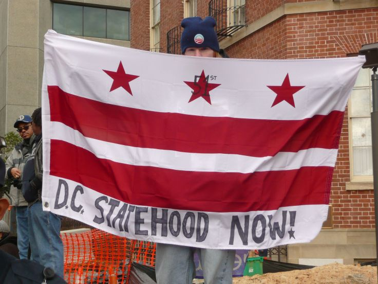 DC_statehood_now_flag_at_Inauguration_2013