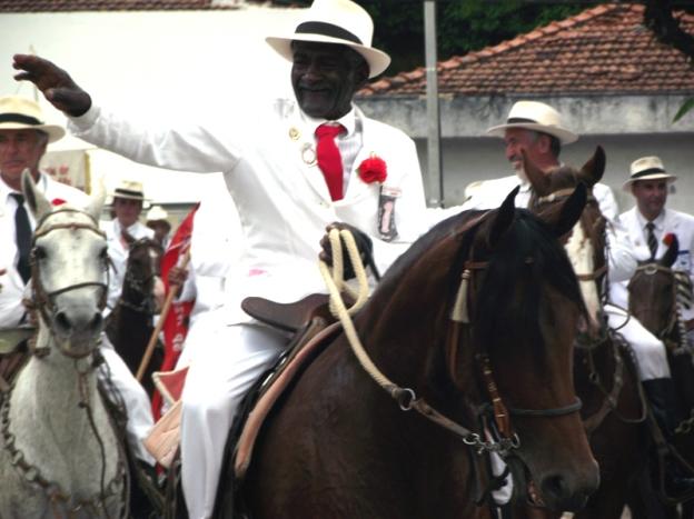 Focas na Fotografia: Cavalaria em Guaratinguetá